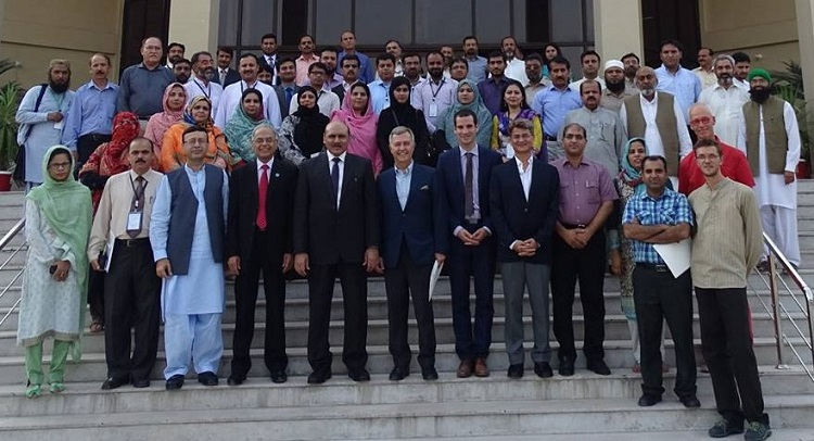 "Group photo of participants of Workshop on ""Training of Master Trainers on Inquiry Based Science Education"" along with dignitaries held at Islamabad - Pakistan, 5-9 September 2016"