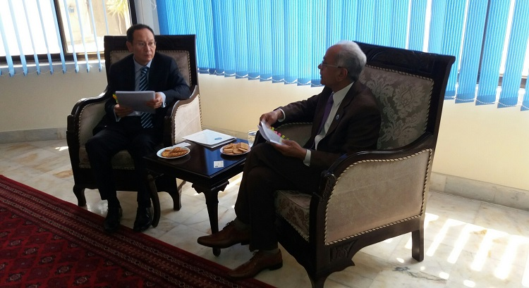 President ECOSF Prof. Soomro making a courtesy call to the Ambassador of Kyrgyz Republic to Pakistan H.E. Mr. Erik BEISHEMBIEV (left) at Kyrgyz Embassy in Islamabad (20 April 2017)